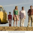 L-R: Abigail Breslin, Toni Collette, Steve Carell and Greg Kinnear in LITTLE MISS SUNSHINE. Photo Credit: Eric Lee