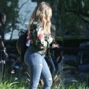 Khloe Kardashian is spotted leaving a studio in Los Angeles, California on March 28, 2017 - 409 x 600
