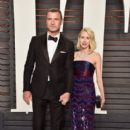 Liev Schreiber and Naomi Watts :88th Annual Academy Awards - 399 x 600