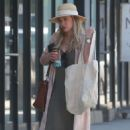 Hilary Duff out for grocery shopping in Studio City - 454 x 681