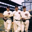 Paul Derringer, Ernie Lombardi & Bucky Walters At Crosley Field In Cincinnati 1940 - 454 x 351
