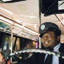 Cedric the Entertainer in a scene from The Honeymooners - 2005