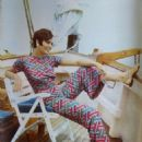 Rosanna Schiaffino - Cine Tele Revue Magazine Pictorial [France] (21 July 1966) - 454 x 612