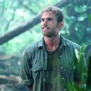 Seann William Scott stars as Travis in The Rundown