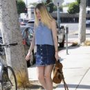 'Please Stand By' actress Dakota Fanning is spotted out and about in Beverly Hills, California on August 17, 2015 - 454 x 580