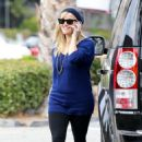 Reese Witherspoon: leaving Le Pain in Brentwood