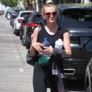 Ashlee Simpson – Leaves Tracy Anderson Gym in LA - 454 x 808