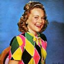 Sonja Henie - Modern Screen Magazine Pictorial [United States] (October 1943) - 454 x 630