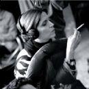Filmmaker, Agnes Jaoui as Sylvia; Photo by: Jean-Paul Dumas-Grillet/Corbis. - 454 x 678