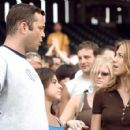Gary and Brooke in Comedy Romance The Break Up - 2006