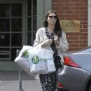 Jessica Biel – Leaves Health Mart in New Orleans - 454 x 639