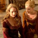 Leelee Sobieski as Muriella and Michelle Harrison as Hysterical Woman in Freestyle Releasing action adventure 'In the Name of the King: A Dungeon Siege Tale.' - 454 x 301