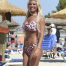 Christine McGuinness showed off her stunning body in a bikini in Mallorca - 454 x 755