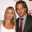 Holly Valance and Alex O'loughlin - 400 x 600