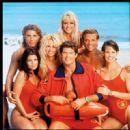 Yasmine Bleeth, Pamela Anderson, Gena Lee Nolin, David Hasselhoff, David Chokachi, Alexandra Paul and Jaason Simmons in Baywatch Photoshoot - 454 x 452