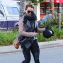 Hilary Duff stops by a gym for a workout in Studio City, California on January 24, 2017 - 431 x 600