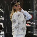 Paris Hilton – Out in Milan - 454 x 648