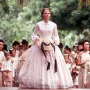 Jodie Foster teaches the king's 58 children in 20th Century Fox's Anna And The King - 12/99
