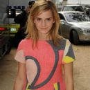 Emma Watson - Giambattista Valli Show during Fashion Week in Paris - October 2, 2008
