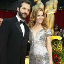 Leslie Mann and Judd Apatow - 454 x 339