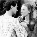 Joseph Fiennes and Cate Blanchett in Elizabeth