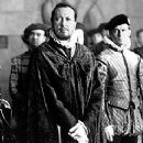 Geoffrey Rush as Sir Francis Walsingham in Elizabeth