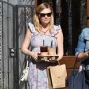 Kirsten Dunst – Out and about in Los Angeles - 454 x 849