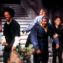 Anna Faris, Marlon Wayans, Shawn Wayans, David Cross (back), Regina Hall, Christopher Masterson and Kathleen Robertson in Dimension's Scary Movie 2 - 2001