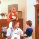 Leslie Bibb (Stephanie), David Arquette (Gordon) and Angus T. Jones (James) in Warner Brothers' comedy See Spot Run - 2001