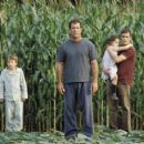 Rory Culkin, Mel Gibson, Abigail Breslin and Joaquin Phoenix in Touchstone's Signs - 2002