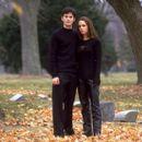 Matt (Wes Bentley) and Annabel (Eliza Dushku) in Artisan's Soul Survivors - 2000