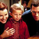 Geena Davis, Jonathan Lipnicki and Hugh Laurie in Columbia's Stuart Little - 12/99