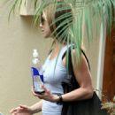 Jennifer Aniston - Los Angeles Candids, 31.10.2008.