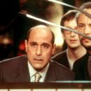 Stanley Tucci as Dave Kingman and Billy Crystal as Lee Phillips in Columbia's America's Sweethearts - 2001