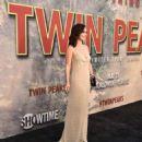 Ana de la Reguera : Premiere of Showtime's 'Twin Peaks - 454 x 569