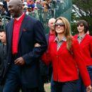 Michael Jordan with his girlfriend Yvette Prieto - 424 x 594