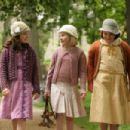 Madison Davenport, Abigail Breslin and Brieanne Jansen in a scene from Kit Kittredge: An American Girl© 2008 From HBO Films/A Picturehouse release - Photographer: Cylla von Tiedemann - 454 x 302