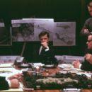 (clockwise from center) Bruce Greenwood (John F. Kennedy), Steven Culp (Robert F. Kennedy), Tim Kelleher (Ted Soresnsen) and Frank Wood (McGeorge Bundy) and Walter Adrian (Lyndon B. Johnson) in New Line's Thirteen Days - 2000 - 454 x 302