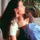 Grace Briggs (Minnie Driver) and Bob Rueland (David Duchovny) in MGM's Return To Me - 2000