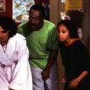 Kristen Wilson, Eddie Murphy and Raven Symone in 20th Century Fox's Dr Dolittle - 1998 - 350 x 234