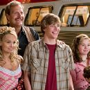 Kristin Chenoweth, Jeff Daniels, Hunter Parrish, Chloe Sonnenfeld and Alex Ferris in Columbia Pictures' RV - 2006