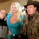Willie Garson, Victoria Silvstedt and Lee Majors in Touchstone's Out Cold - 2001