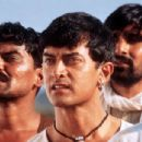 Daya Shankar Padey, Aamir Khan and Yashpal Sharma in Sony Pictures Classics' Lagaan - 2002 - 400 x 304