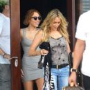 Miley Cyrus: leaving her hotel with her mom in Miami