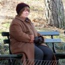 Melissa McCarthy was seen filming her latest movie project 'Can You Ever Forgive Me?' in Manhattan's Central Park in New York City, New York on February 21, 2017 - 449 x 600