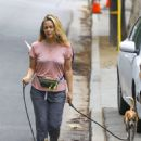 Alicia Silverstone – Out with her dogs in the Hollywood Hills