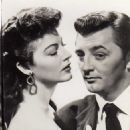 Robert Mitchum and Ava Gardner - 454 x 736