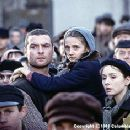 Liev Schreiber and Hannah Taylor Gordon in Jakob The Liar - 9/99 - 350 x 236