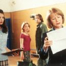 Katie Holmes, Marisa Coughlan, Barry Watson and Helen Mirren in Teaching Mrs. Tingle - 8/99