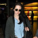 Kristen Stewart Jets to Paris in Time For Fashion Week